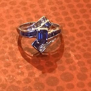 10K White Gold synthetic blue sapphire ring Size 7